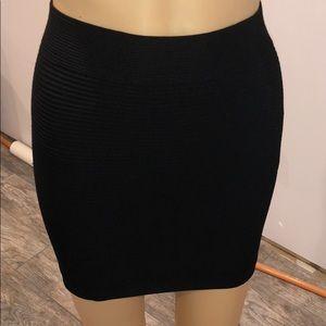 Guess Los Angeles black tight rippled skirt m/L